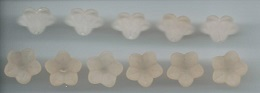 FB 10-10 Flower Bead, 11x7 Peach